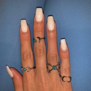 Jewelry - Bundle of 4 Rings